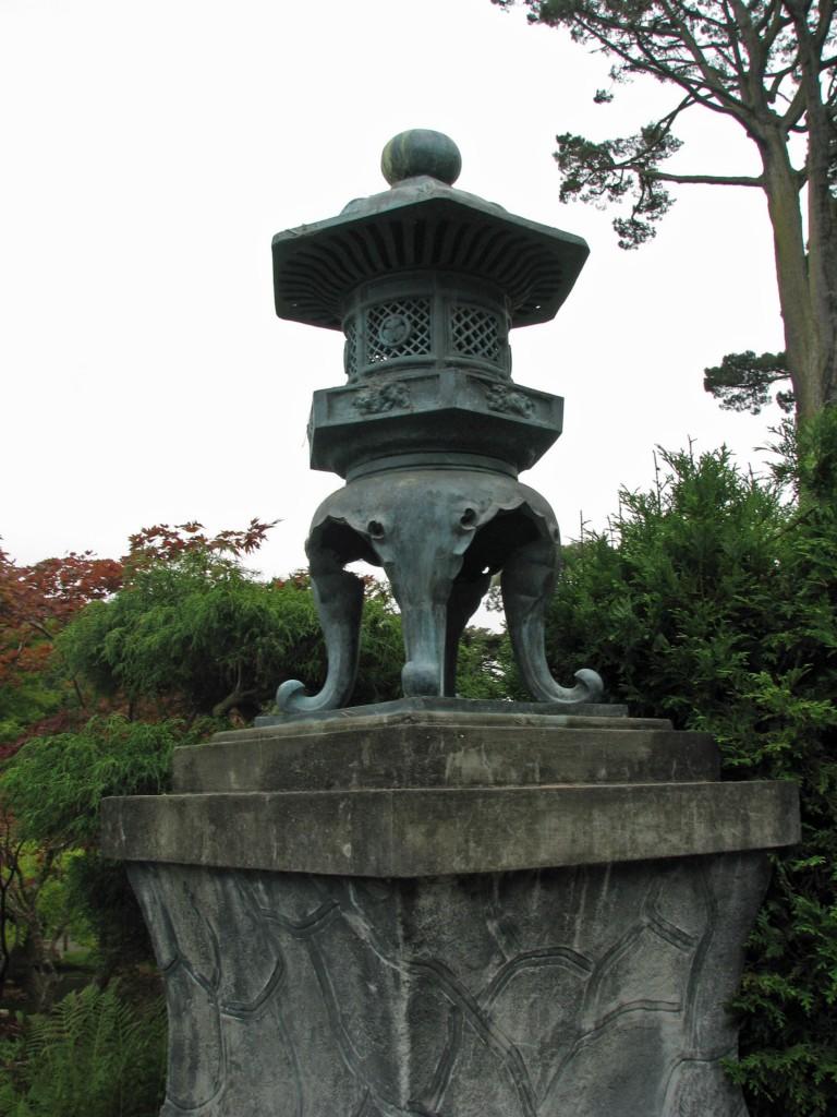 2013 09 12 SF Garden Gate Park Japanese Tea Garden Lantern