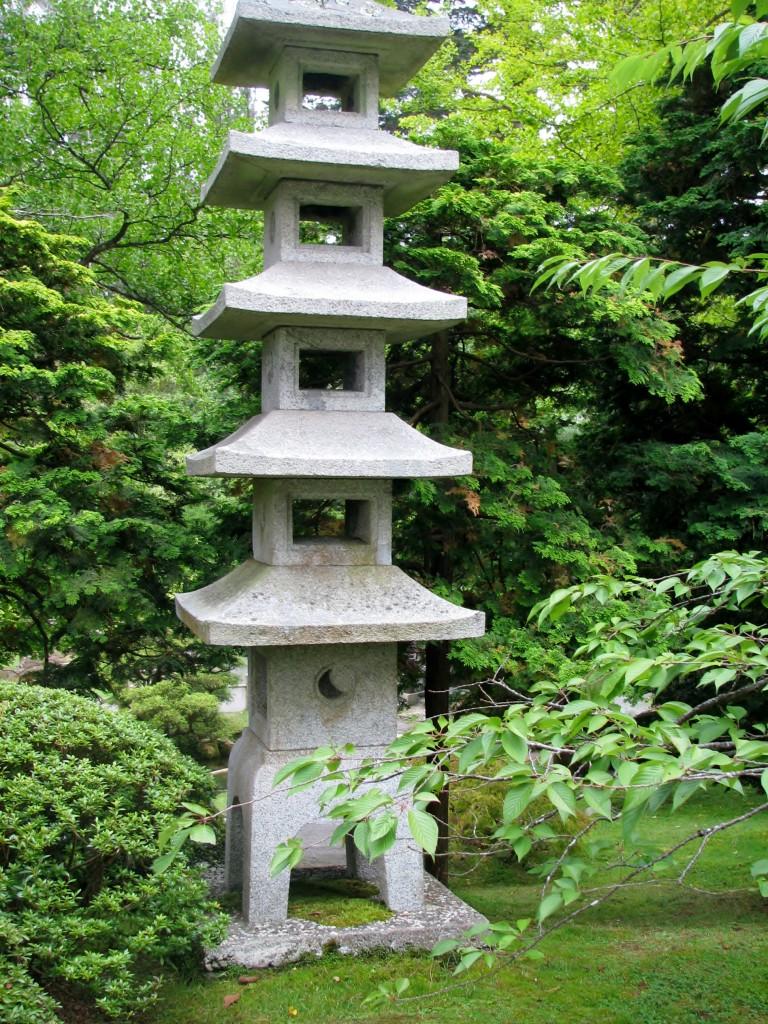 2013 09 12 SF Garden Gate Park Japanese Tea Garden bronze Peace Lantern