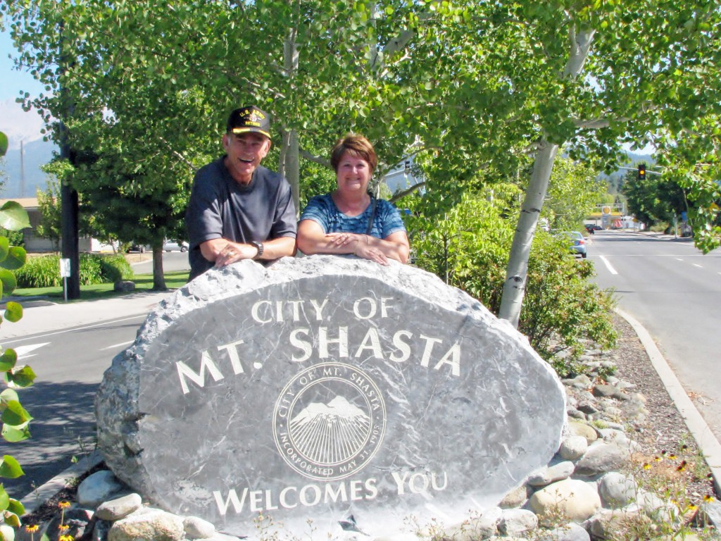 2013 09 14 Mt Shasta Welcome Sign (7)