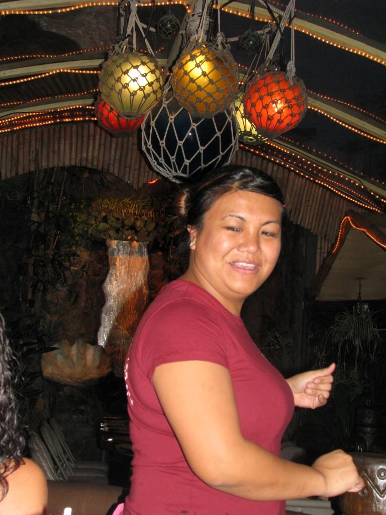 2013 10 29 Hawaii LaMariana Restaurant & Bar Waitress