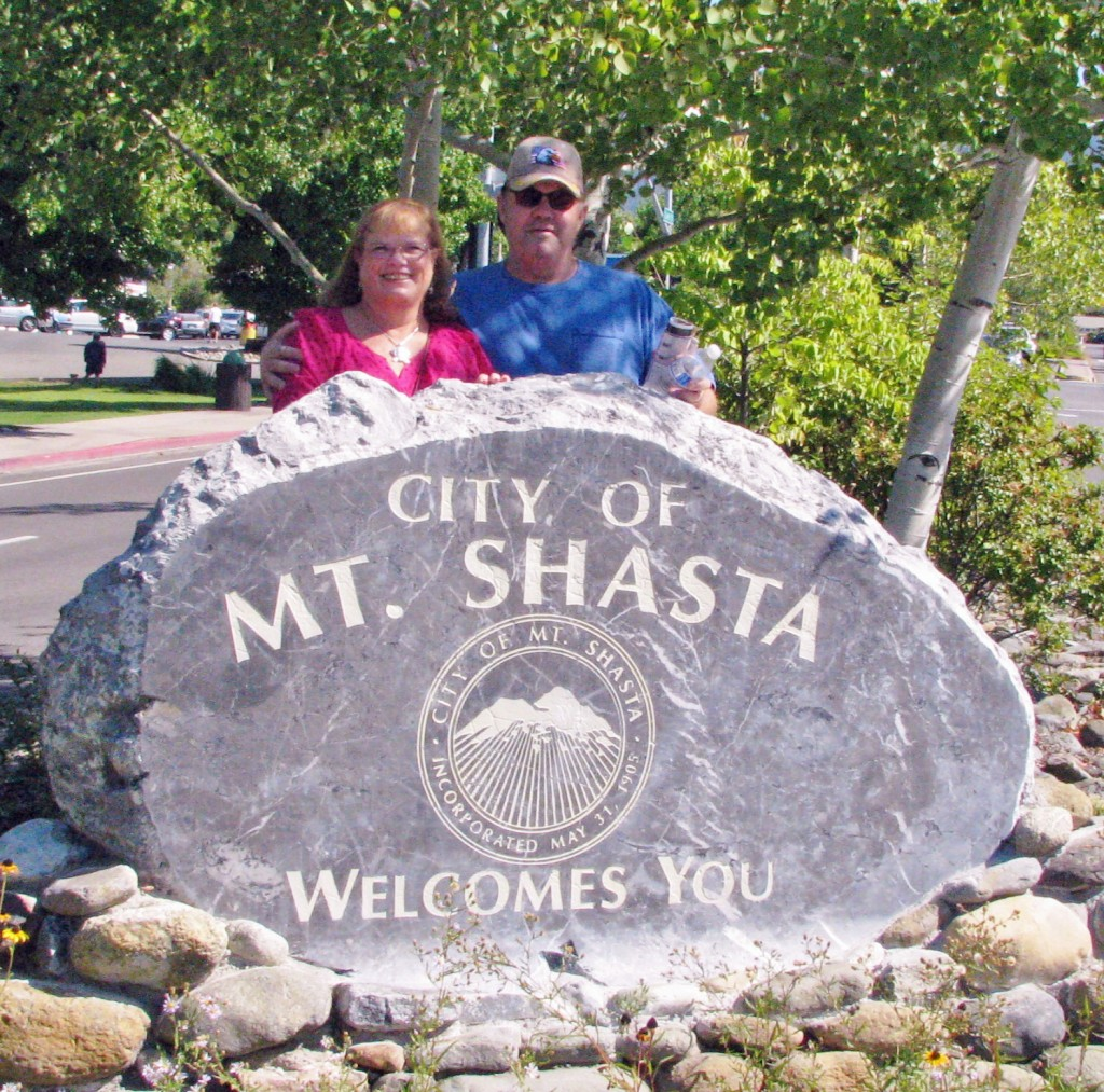 2013 09 14 Mt Shasta Welcome Sign (10)