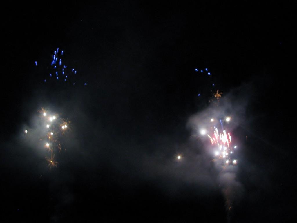 2013 09 14 Haisting Veltum Wedding Reception Fireworks (5)