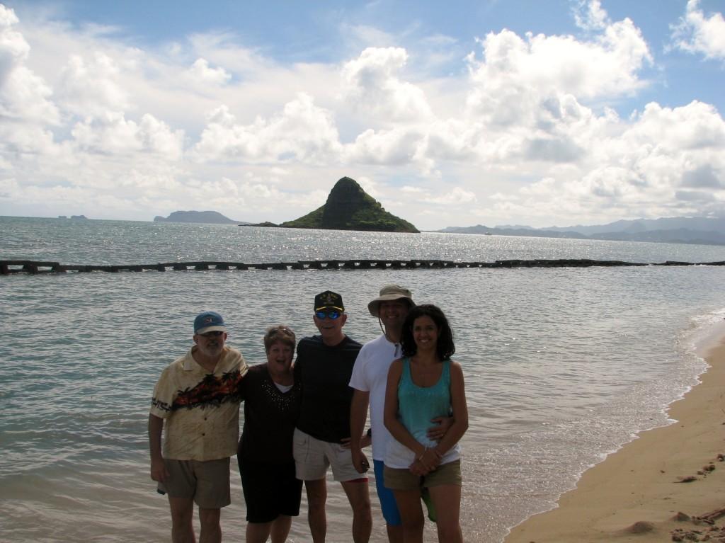 2013 10 29 Hawaii Kualoa Regional Park Fred Phyllis Steve Jamie Carmen