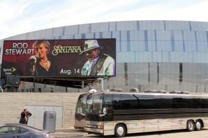 2014 08 14 Rod Stewart Santane Concert Bus at Sprint Center