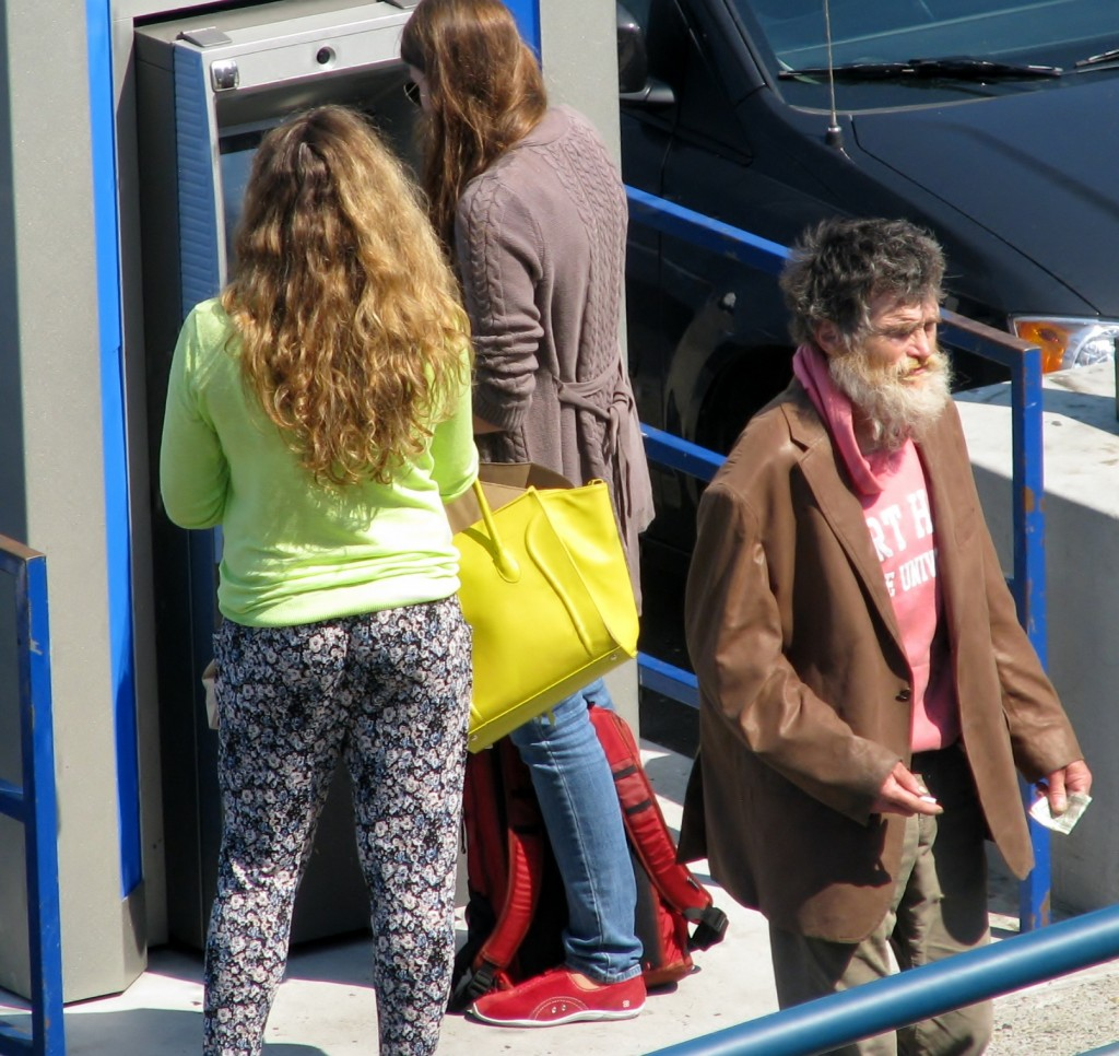 2013 09 09 SF Homeless Fishermen's Wharf (2)