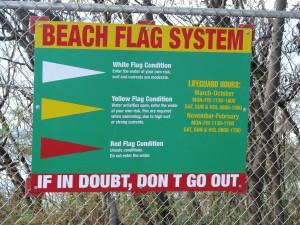 2013 10 28 Hawaii Marine Corps Base Kaneohe Bay Beach Sign Beach Flag System (1)