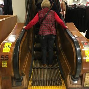 2015 11 26 New York Macys Black Friday Wooden Escalators (2)