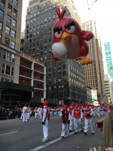 2015 11 26 New York Macy's Thanksgiving Day Parade Balloons Angry Bird's Red
