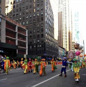 2015 11 26 New York Macy's Thanksgiving Day Parade Clowns Corny Copia Clowns (1)