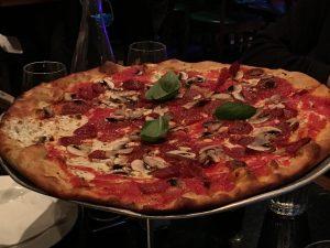 2015-11-28-new-york-patsys-pizzeria-pies-2