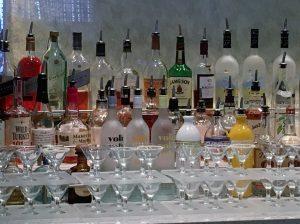 2015 11 30 NCL Breakaway E Caribbean Shakers Cocktail Bar Martini Tasting (1)