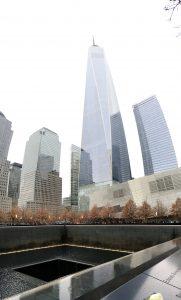 2015-11-28-new-york-9-11-memorial-waterfalls-and-reflecting-pools