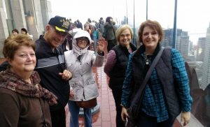 2015-11-28-new-york-rocketfeller-center-top-of-the-rock-group-1