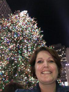 2015-12-11-new-york-rockerfeller-center-christmas-tree-holan
