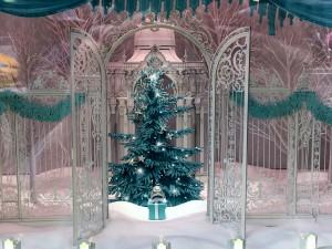 2015 12 11 New York Tiffany & Co Window 2