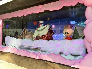 2015 11 25 New York Macys Windows A Charlie Brown Christmas (1)