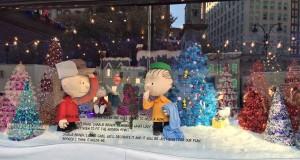 2015 11 25 New York Macys Windows A Charlie Brown Christmas (3)