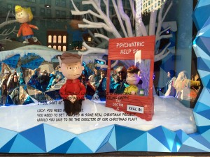 2015 11 25 New York Macys Windows A Charlie Brown Christmas (5)