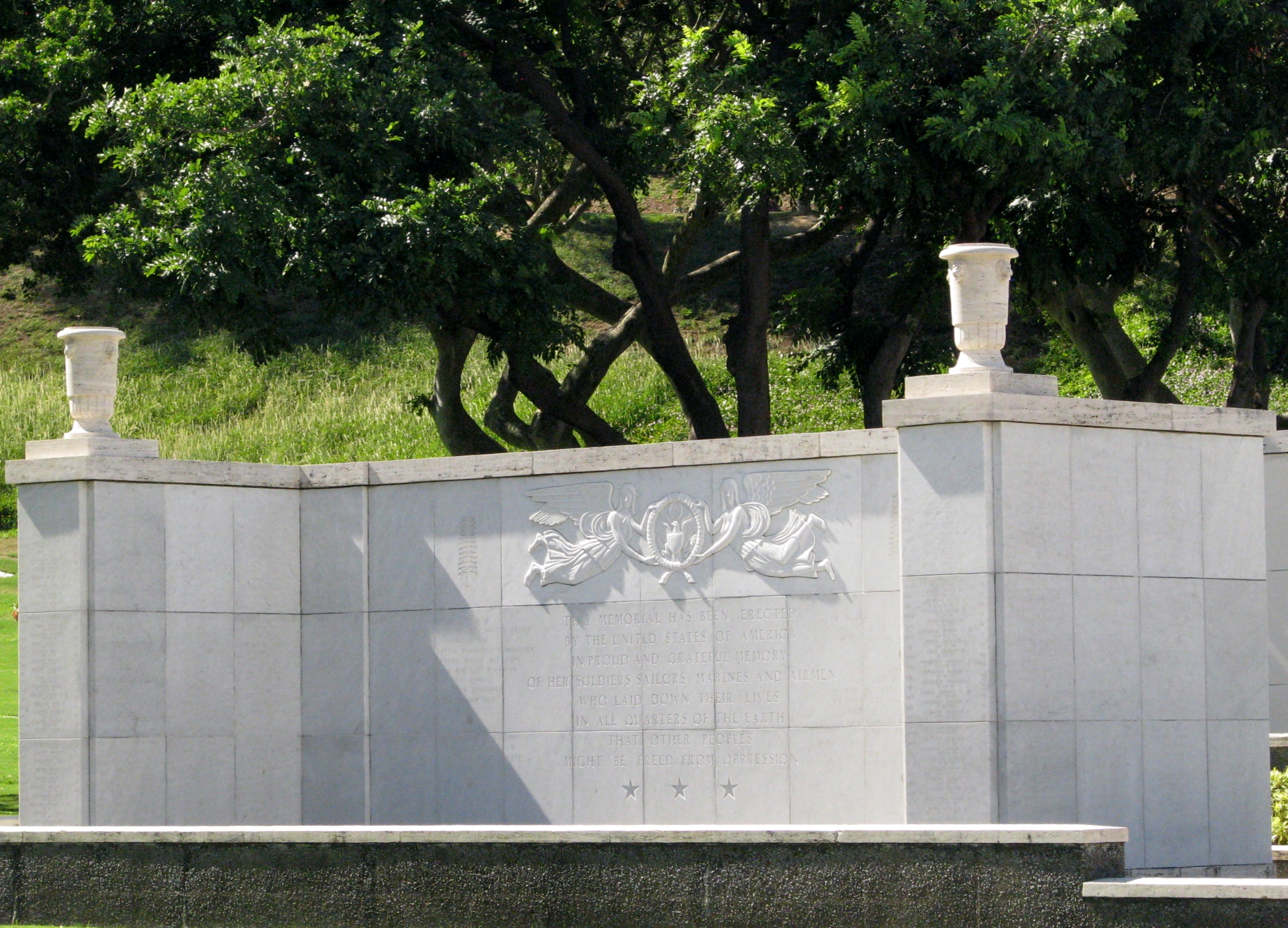 The names of 28,788 military personnel who are missing in action or were lost or buried at sea in the Pacific during these conflicts are listed on marble slabs in ten Courts of the Missing which flank the Memorial's grand stone staircase.